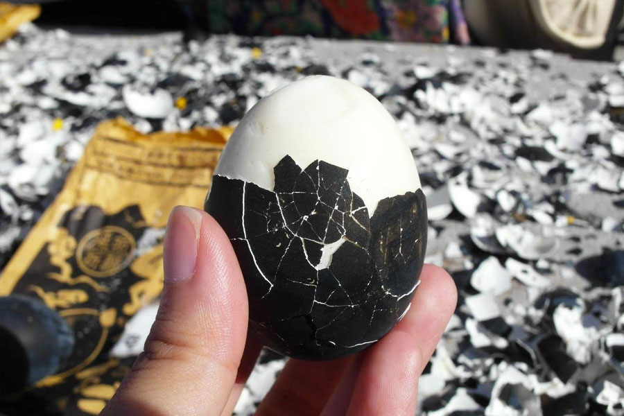 huevos negros de Owakudani